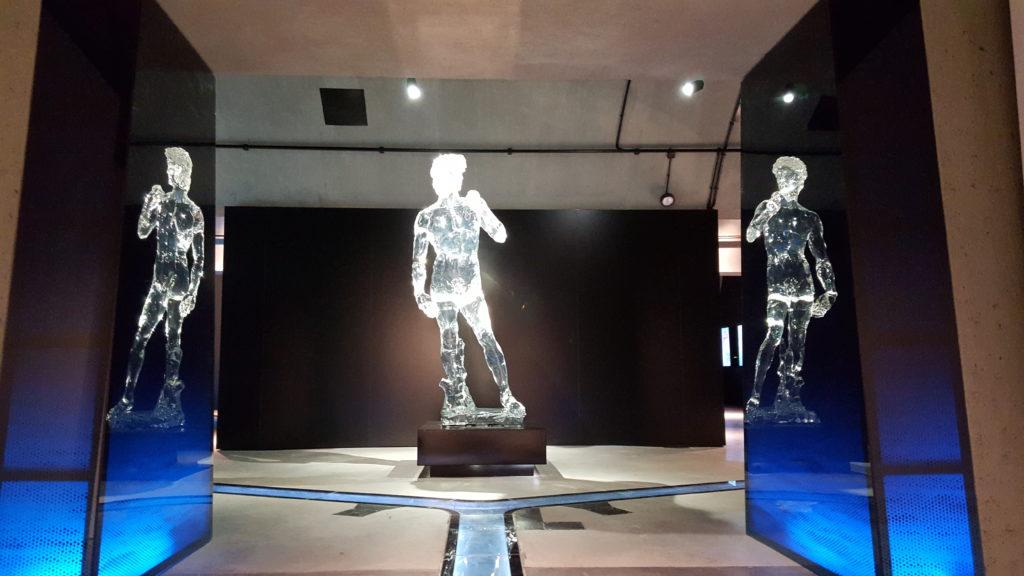 Acryl-Skulpturen